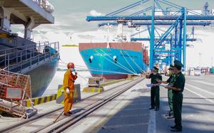 Không tuân thủ quy định phòng chống dịch, 8 người bị xử lý ở cảng Cát Lái