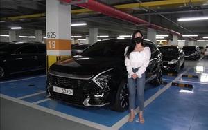 Nữ Youtuber trải nghiệm nhanh Kia Sportage 2022, đánh giá bất ngờ