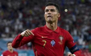 Giành vua phá lưới Euro 2020, Ronaldo tạo ra kì tích độc nhất vô nhị