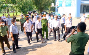 Phó Thủ tướng Trương Hoà Bình thị sát công tác phòng chống dịch Covid-19 tại Đồng Nai
