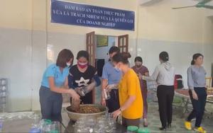 Nghệ An: Bà con miền biển phường Nghi Hải rang cá khô gửi tặng nhân dân TP.HCM