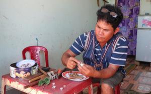Nghề làm nhẫn cưới độc, lạ của dân tộc Churu ở tỉnh Lâm Đồng: Khuôn nhẫn nhất định phải nhúng qua phân trâu