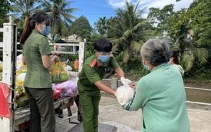 Công an An Giang hỗ trợ 110 tấn gạo cho người dân bị ảnh hưởng trực tiếp dịch Covid-19