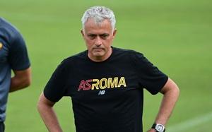 """Từng nhiều lần bị nói xấu, M.U """"cạch mặt"""" Mourinho?"""