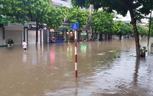 Mưa lớn khoảng 2 tiếng, nhiều nơi ở Thái Nguyên ngập sâu gần 1m