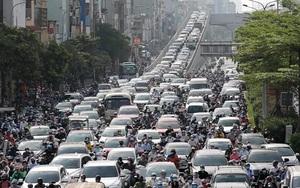 Video: Nhiều tuyến phố Thủ đô vẫn ùn tắc trong ngày đầu áp dụng biện pháp phòng dịch mới