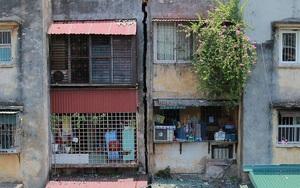 """50 hộ dân đang sống trong khu tập thể """"chờ sập"""" ở trung tâm Hà Nội"""