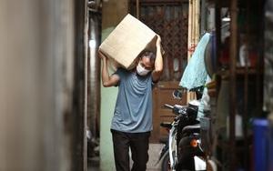 Hàng nghìn ki ốt chợ Đồng Xuân đóng cửa, người làm cửu vạn giờ ra sao?