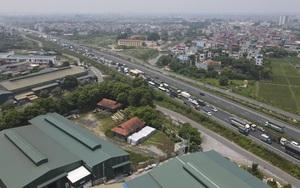 Ùn xe hàng km ở chốt Pháp Vân - Cầu Giẽ: Nhiều tài xế thiếu giấy xét nghiệm Covid-19