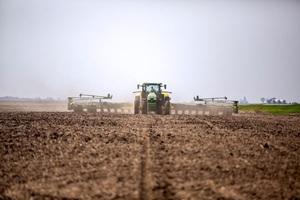 Mỹ lo Trung Quốc thâu tóm đất nông nghiệp