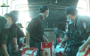 Video: Công an TT-Huế vận chuyển hàng chục tấn lương thực, thực phẩm hỗ trợ TP. HCM