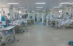 """Video: Bên trong khu """"cấm địa"""", điều trị bệnh nhân Covid-19 nặng tại Bệnh viện Chợ Rẫy"""