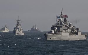 Ukraine tập trận rầm rộ gần Crimea, nắn gân Nga