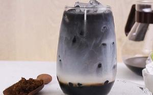 Hà Nội: Thức uống đen đen, xấu mã nhưng lại có sức hấp dẫn khiến giới trẻ săn lùng điên đảo