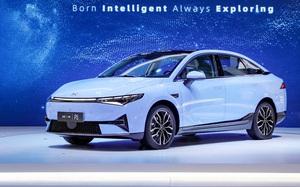 XPeng P5 - mẫu xe điện nội địa giá 35.500 USD
