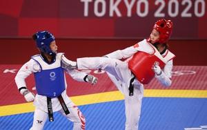 """Đánh bại võ sĩ Canada, Trương Thị Kim Tuyền gặp """"sao"""" Thái Lan ở tứ kết Olympic"""