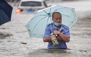 Sau trận lụt kinh hoàng, thành phố iPhone Trung Quốc điên cuồng tuyển dụng công nhân, thưởng vạn NDT