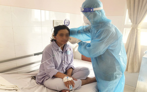 Cần Thơ: Hồi hộp giây phút bác sĩ cứu sống sản phụ mắc Covid-19