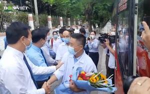 Video: Phút giây xúc động tiễn đoàn y tế Quảng Trị vào Bình Dương tham gia chống dịch Covid-19