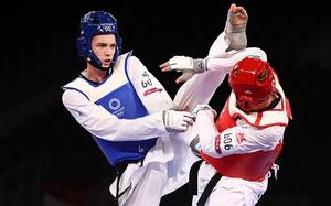 Chuyện lạ Olympic: Võ sĩ hạng 80kg người Nga gãy tay vẫn giành HCV