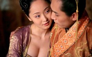 Nàng công chúa nuôi vô số mỹ nam để thỏa mãn dục vọng của mình và mẹ ruột