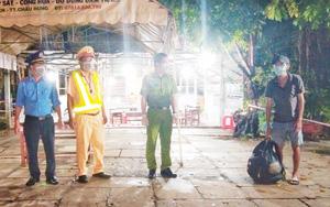 Công an giúp đỡ anh thợ hồ đi bộ 4 ngày từ Bình Phước về Cà Mau tránh dịch