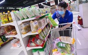 TP.HCM: Siêu thị gom đơn hàng, giao thực phẩm cho cả khu dân cư