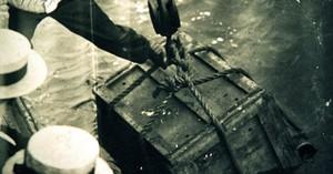 Lật tẩy màn ảo thuật kinh điển: Còng tay nhốt trong thùng kín