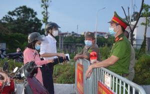 Nhật ký: Một ngày căng mình ở chốt kiểm soát dịch Covid-19 Hà Nội