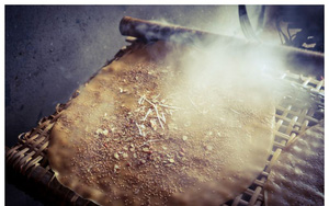 Bắc Giang: Ở ngôi làng làm ra thứ bánh đặc sản ăn giòn tan và thứ bánh để gói cái gì cũng được
