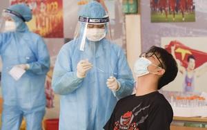 Thần tốc xét nghiệm Covid-19 cho hàng nghìn người dân gần Bệnh viện Phổi Hà Nội