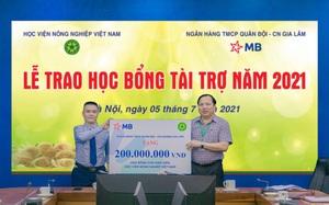 MB Bank trao học bổng trị giá 200 triệu đồng cho sinh viên Học viện Nông nghiệp Việt Nam