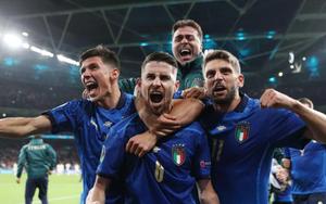 Đưa Italia vào chung kết EURO 2020, Jorginho được đề cử Quả Bóng Vàng