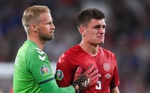 """""""Những chú lính chì"""" Đan Mạch rơi lệ sau khi không thể viết tiếp câu chuyện cổ tích tại Euro 2020"""