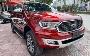 Khó hiểu Ford Everest mới đăng ký, người dùng bán lỗ 300 triệu