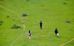 Cao Bằng: Không ngờ vùng đất này lại có đồi cỏ xanh mướt đẹp như phim mang tên Rủ Rả