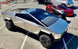 Xe bán tải viễn tưởng Tesla Cybertruck, giá cũng không tưởng