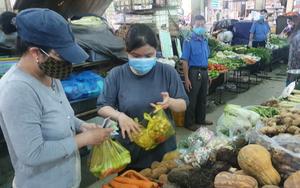 TP.HCM mở lại chợ truyền thống: Vừa mừng, vừa lo