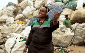 Sản xuất vật liệu xây dựng bền hơn bê tông gấp 5 - 7 lần từ rác thải nhựa