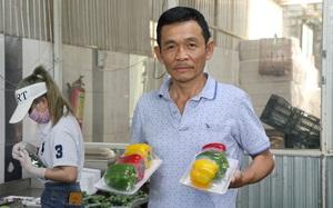 """Nông dân Việt Nam xuất sắc 2021: Bỏ nghề điện tử về tự làm giám đốc """"cuốc đất trồng rau"""" thu 18 tỷ"""