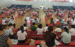 """Người thân cán bộ xã ở Bình Định được tiêm vaccine Covid-19: """"Hầu hết là vợ hoặc chồng, không có người ở khác nhà"""""""