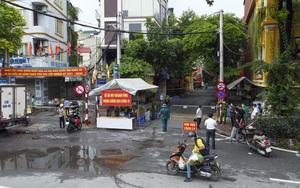 Hà Nội: Bên trong vùng cách ly y tế diện rộng ở phường Giáp Bát