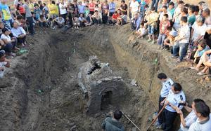 Đào giếng thấy nước đen xì dâng lên, chuyên gia đến giật mình phát hiện 9 ngôi mộ con cháu Tư Mã Ý