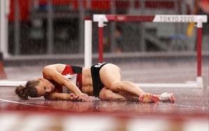 Ép VĐV nữ chạy 400 vượt rào trong mưa, BTC Olympic 2020 bị... ném đá