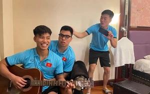 ĐT Việt Nam hội quân sớm, Đức Huy cùng Xuân Trường tấu hài làm fan cười nghiêng ngả