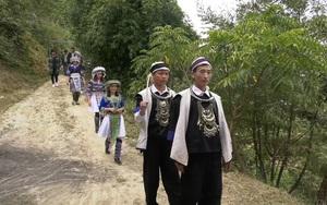 Yên Bái: Lạ chuyện hôn nhân của dân tộc Mông, đám cưới phải ăn cơm vệ đường, cúng nhập ma mới đưa dâu vào nhà