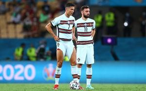 Ronaldo đến, Fernandes mất đặc quyền đá phạt tại M.U?