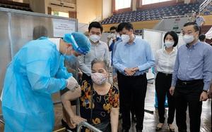 Bộ trưởng Bộ Y tế: Hà Nội tổ chức tiêm vaccine Covid-19 nhanh và bài bản