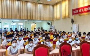 Hoà Bình:  Tiễn 200 cán bộ y tế lên đường hỗ trợ TP. Hà Nội phòng chống dịch bệnh Covid-19