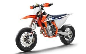 KTM 450 SMR 2022 sở hữu thiết kế đặc biệt dành riêng cho đường đua